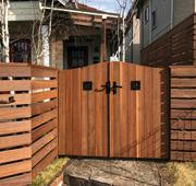 千葉県四街道市のウリン材を用いたウッドフェンス、門扉施工