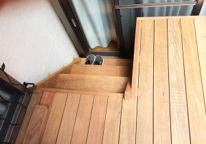 東京都東久留米市ガレージデッキ1階段