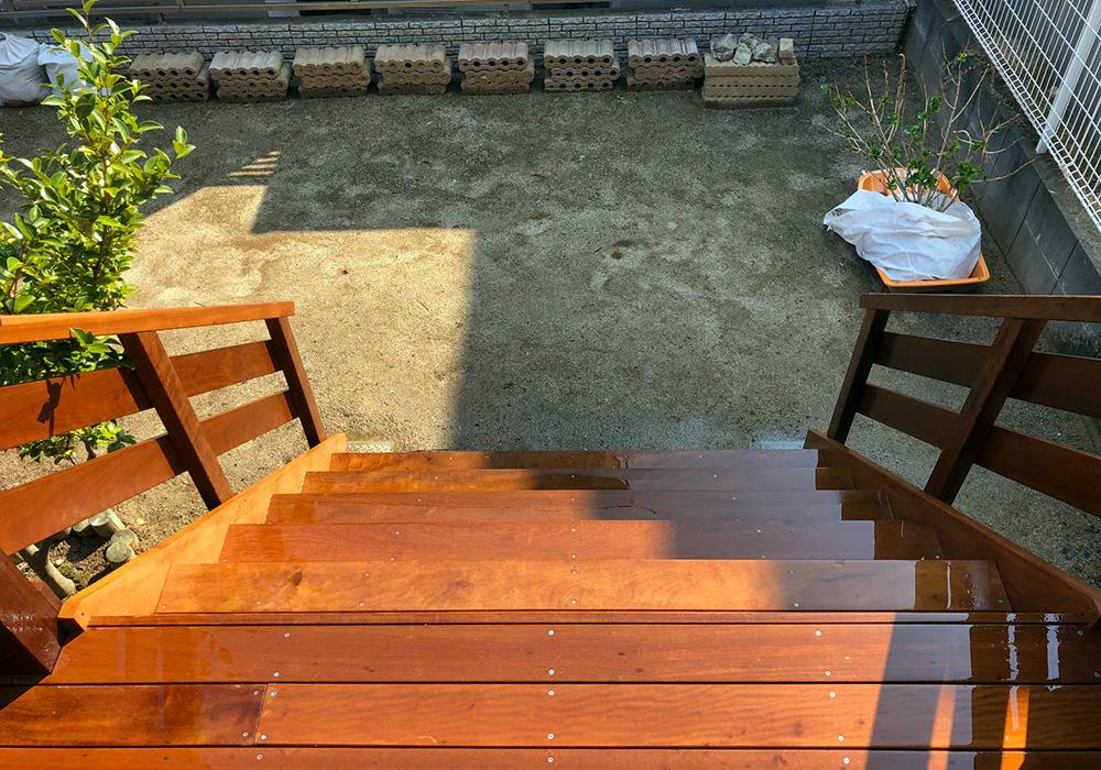 茨城県日立市のベランダバルコニーデッキ階段上から(施工後)