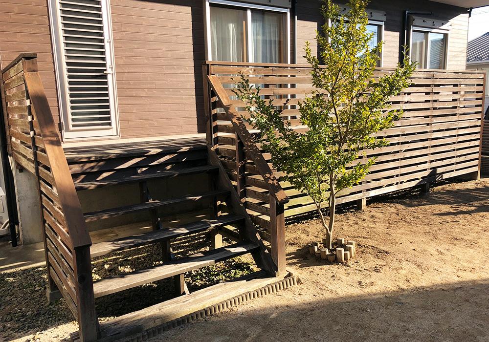 茨城県日立市のベランダバルコニーデッキ階段(施工前)