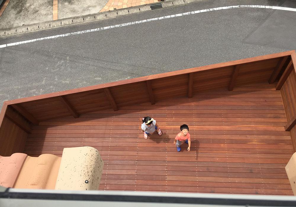 千葉県鎌ケ谷市ガレージデッキ1真上から2
