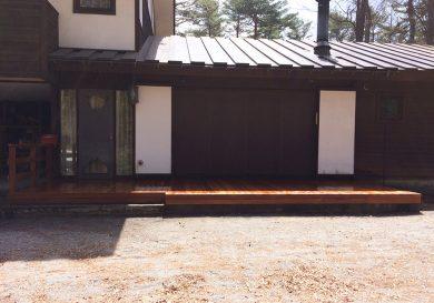 長野県軽井沢町の別荘ウッドデッキ施工例4