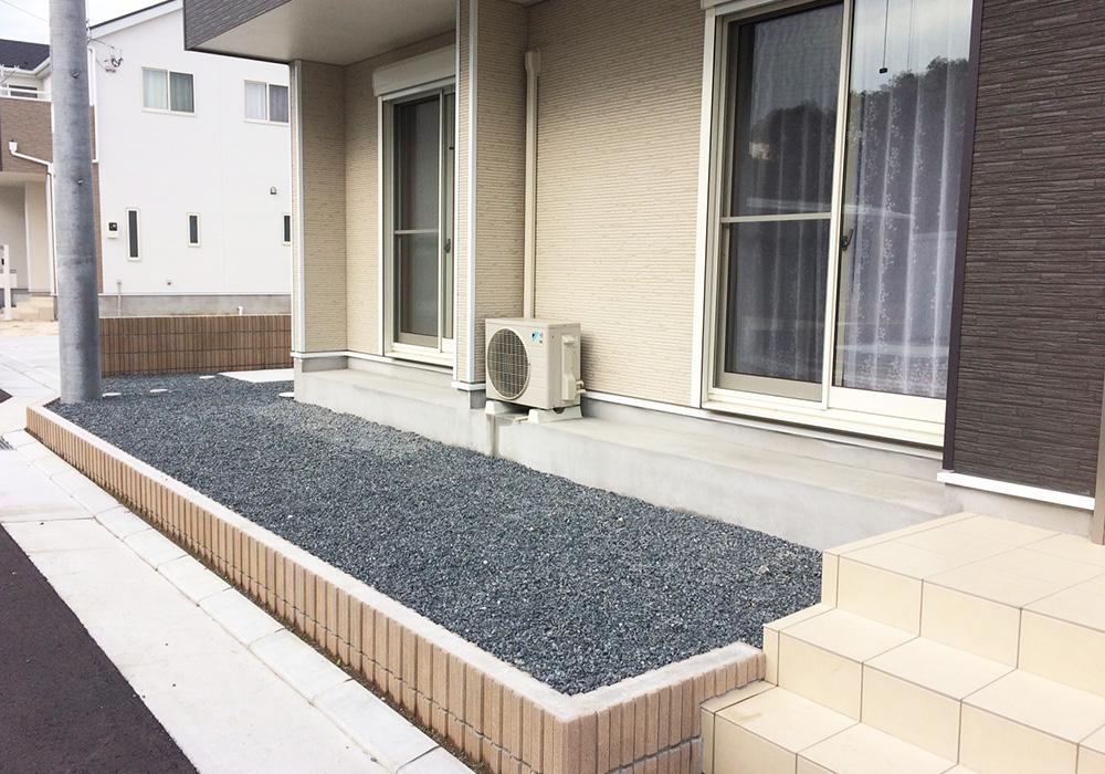茨城県水戸市の戸建てウッドデッキ玄関側から(施工前)