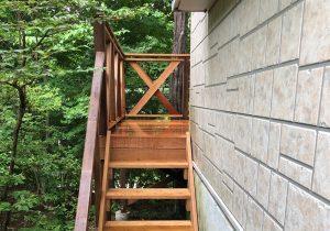 栃木県那須町の別荘ウッドデッキ施工例4階段