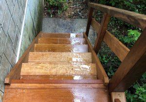 栃木県那須町の別荘ウッドデッキ施工例4階段2