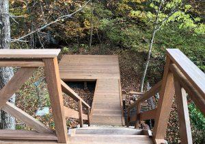 栃木県那須の別荘ウッドデッキ階段(施工後)