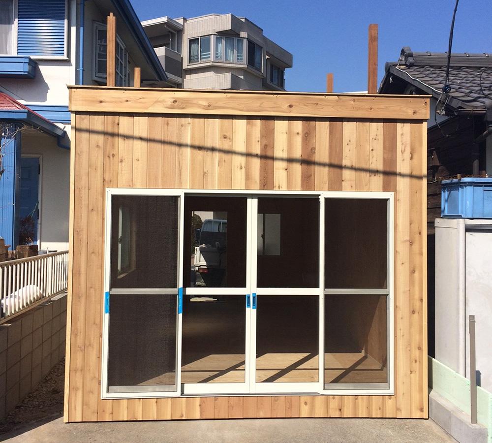 埼玉県さいたま市の戸建てウッドデッキ自転車や作業小屋1