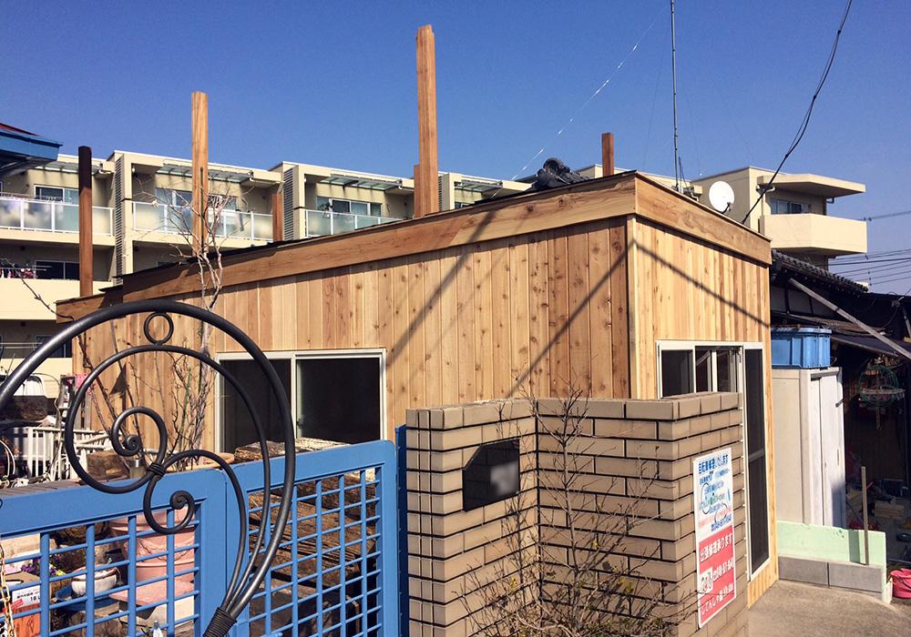 埼玉県さいたま市の戸建てウッドデッキ自転車や作業小屋2