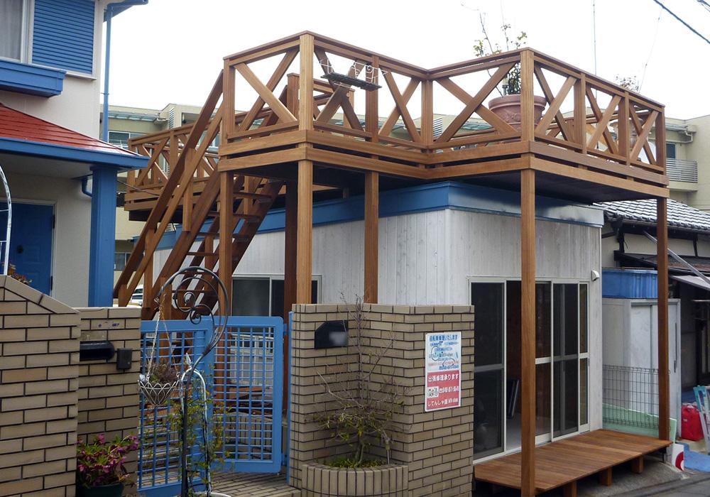 埼玉県さいたま市の戸建てウッドデッキ自転車や作業小屋3
