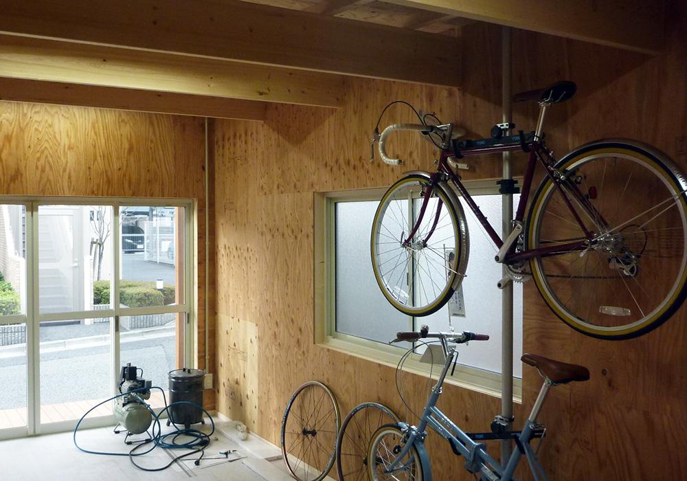 埼玉県さいたま市の戸建てウッドデッキ自転車や作業小屋4