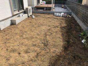 東京都八王子市のウッドデッキ建物右から(施工前)