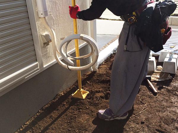 ウッドデッキ施工前の土壌の転圧