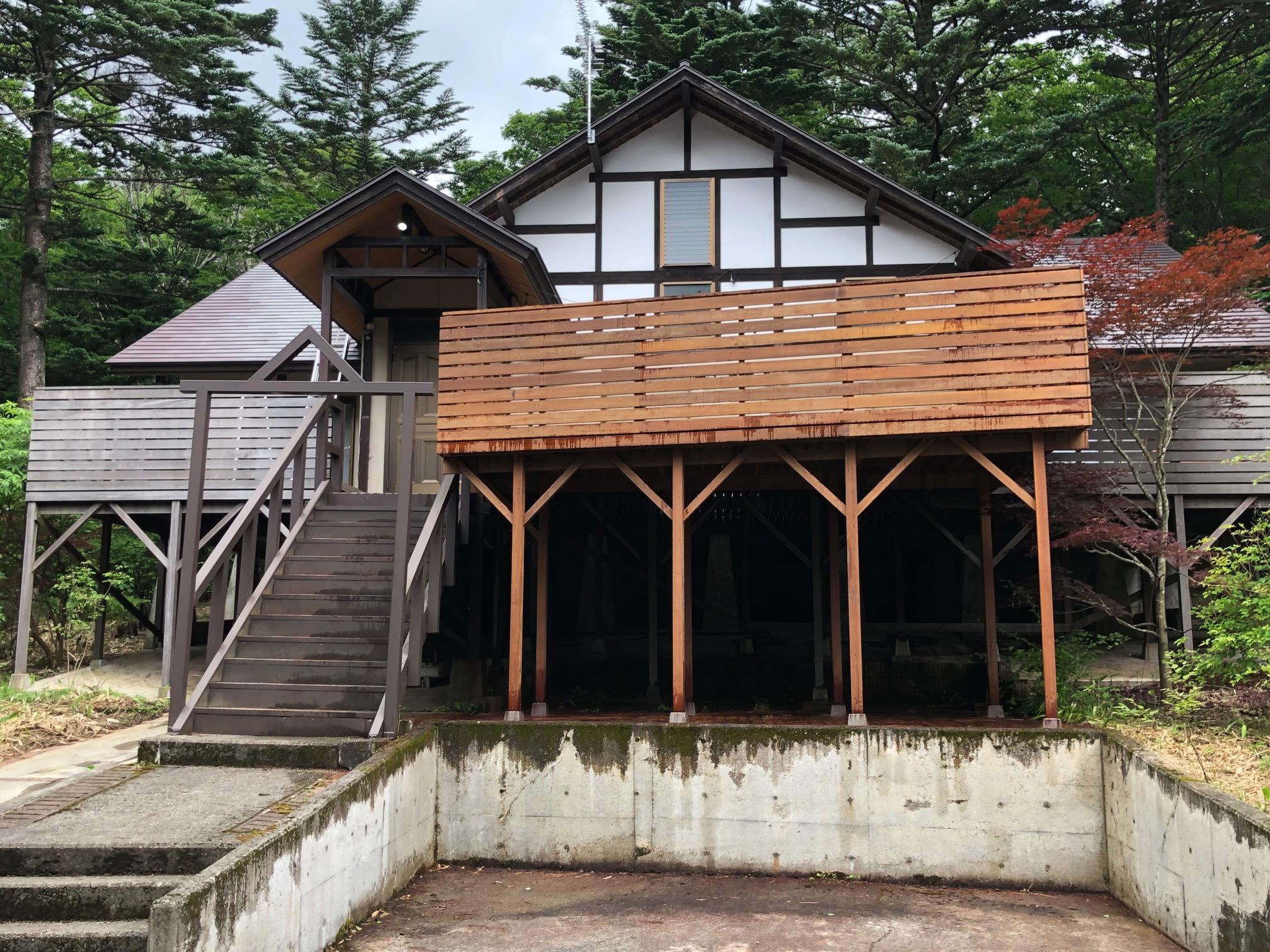 栃木県那須町の別荘大型ウッドデッキ増築(施工後)